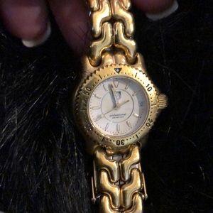 Genuine woman's mini tag watch